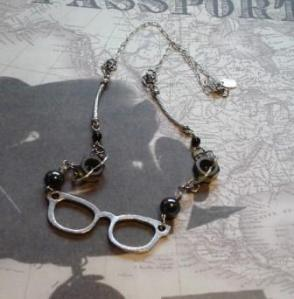 spectacles necklace